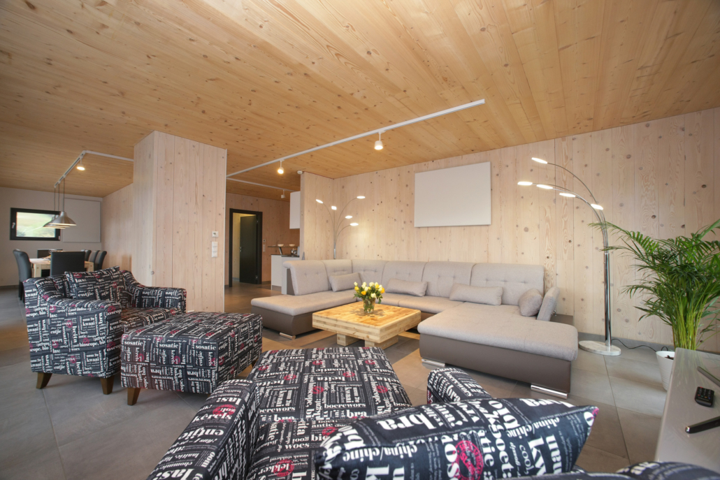 Aparthotel-Zell am See-geräumiges Wohnzimmer