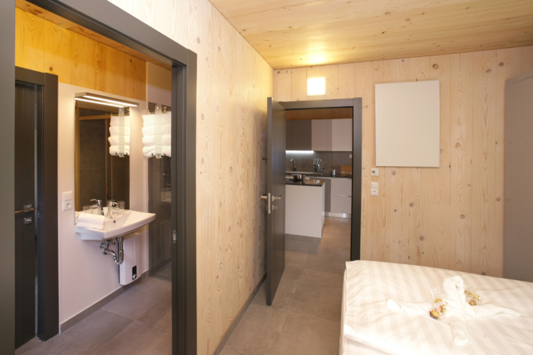Aparthotel-Zell am See Schlafzimmer mit Bad