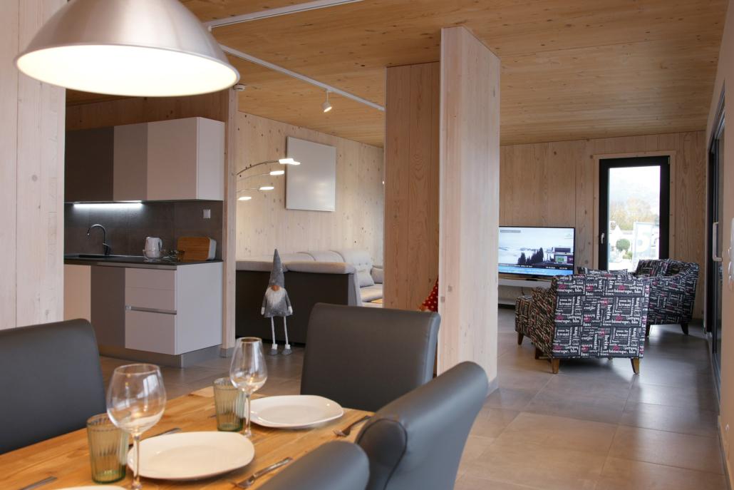 Aparthotel-ZellamSee-living-dining room